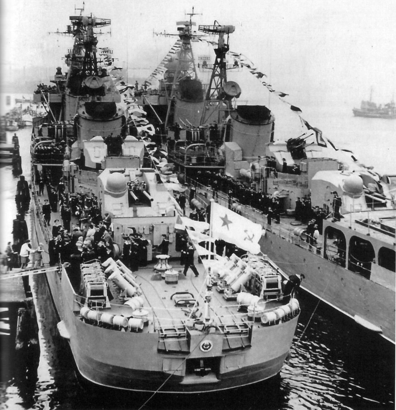 ЭМ Светлый и Справедливый в Ростоке в октябре 1962 г..jpg