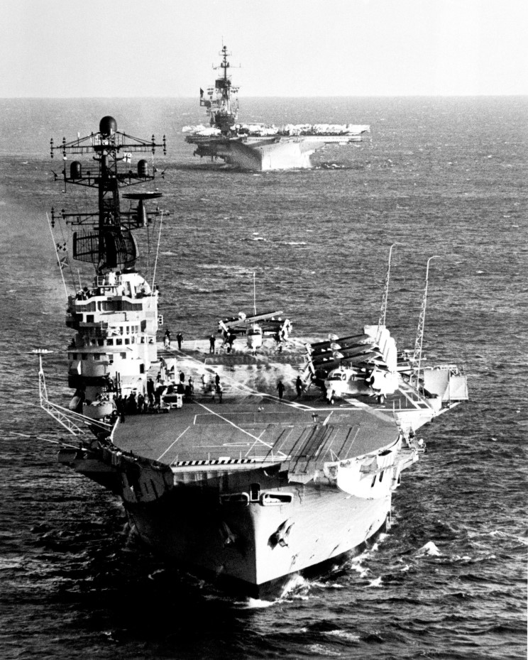 1111 May 16, 1981 HMAS Melbourne and USS Midway CV-41..jpg