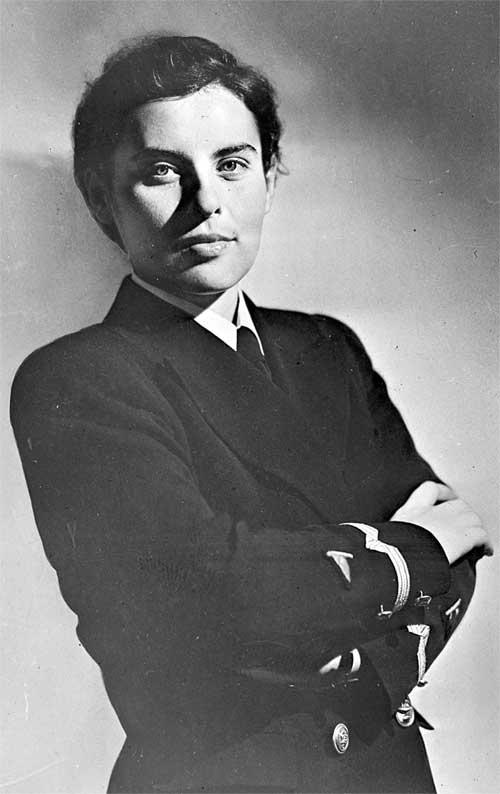 Валентина Орликова, офицер советского торгового флота. 1940.jpg
