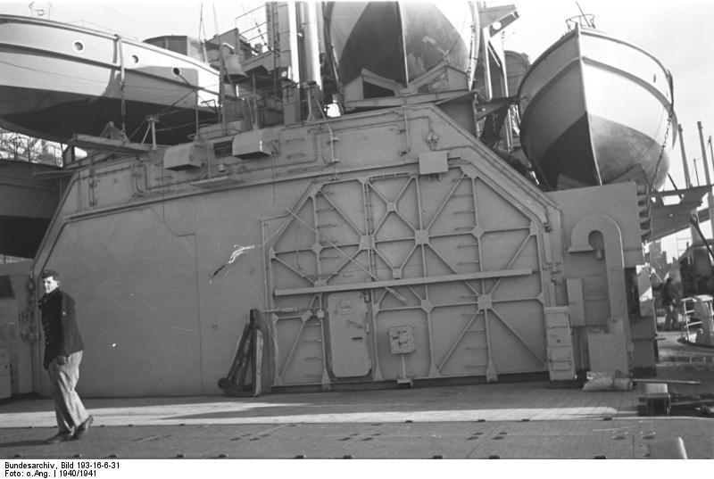 Bundesarchiv_Bild_193-16-6-31,_Schlachtschiff_Bismarck.jpg