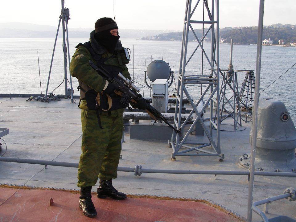ГРКР Москва 2010 Морпех-снайпер.jpg
