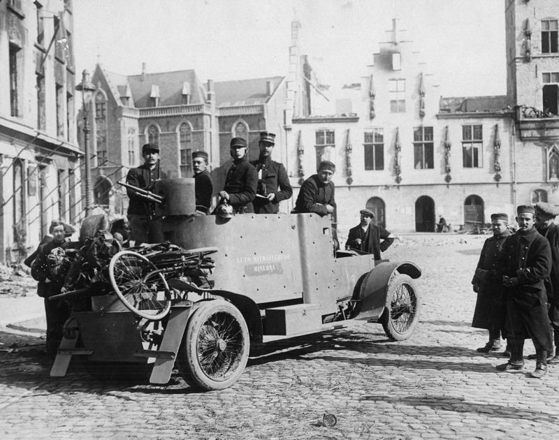 1-Minerva-pantserwagen-augustus-1914_resize.jpg