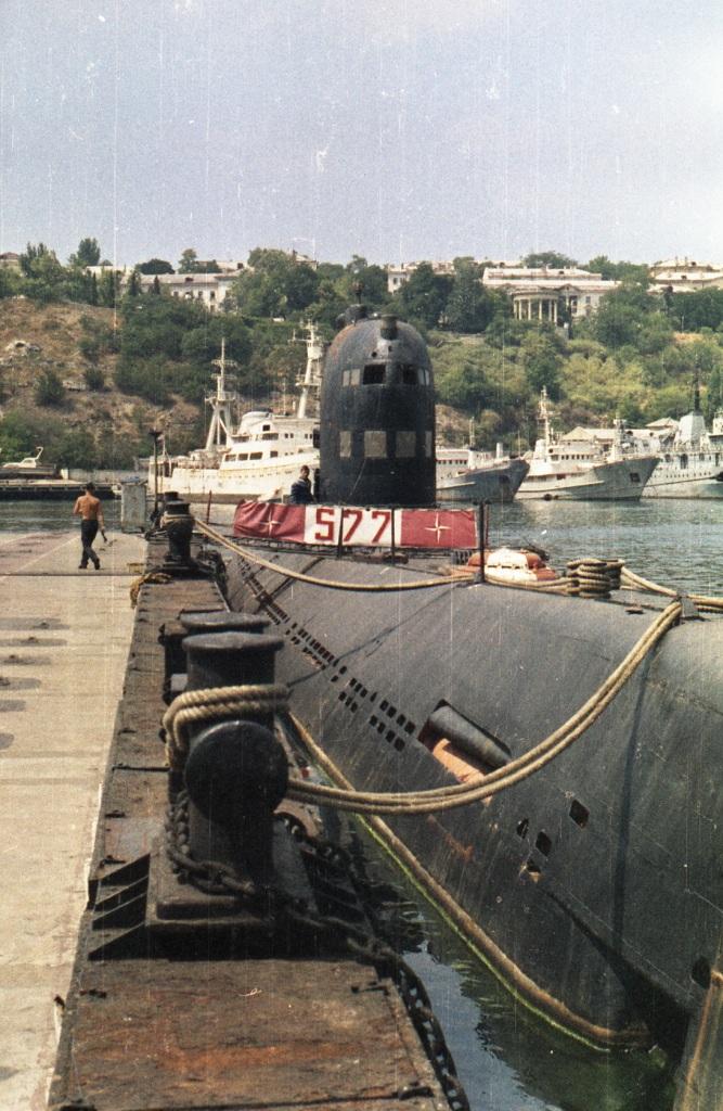 765.1993г., лето.Б-36 (БН-577) пр.641, лс, Южная бухта Севастополя (2).jpg