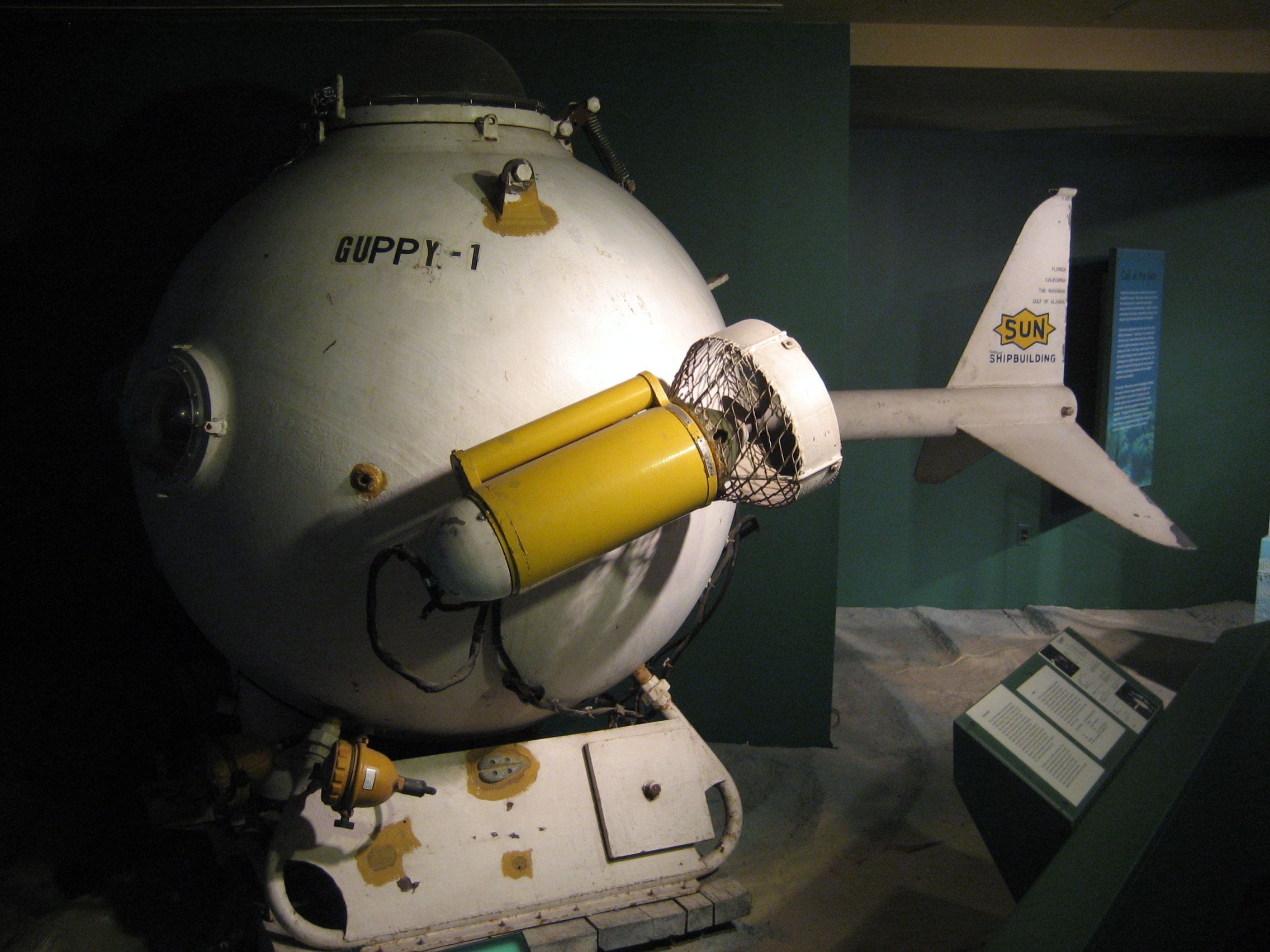 Guppy-1 submersible.jpg