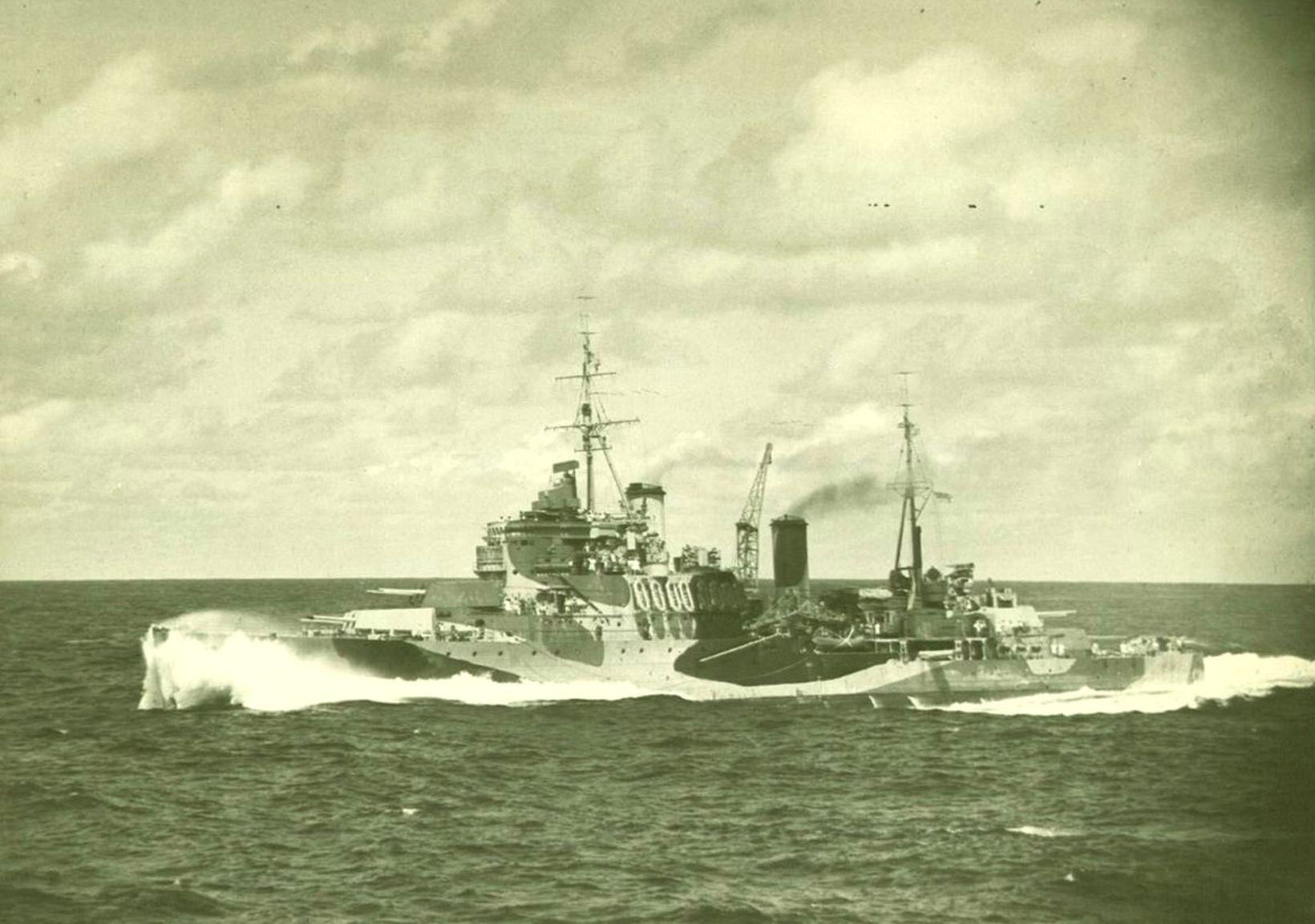 Mauritius on convoy duty c.1942.jpg