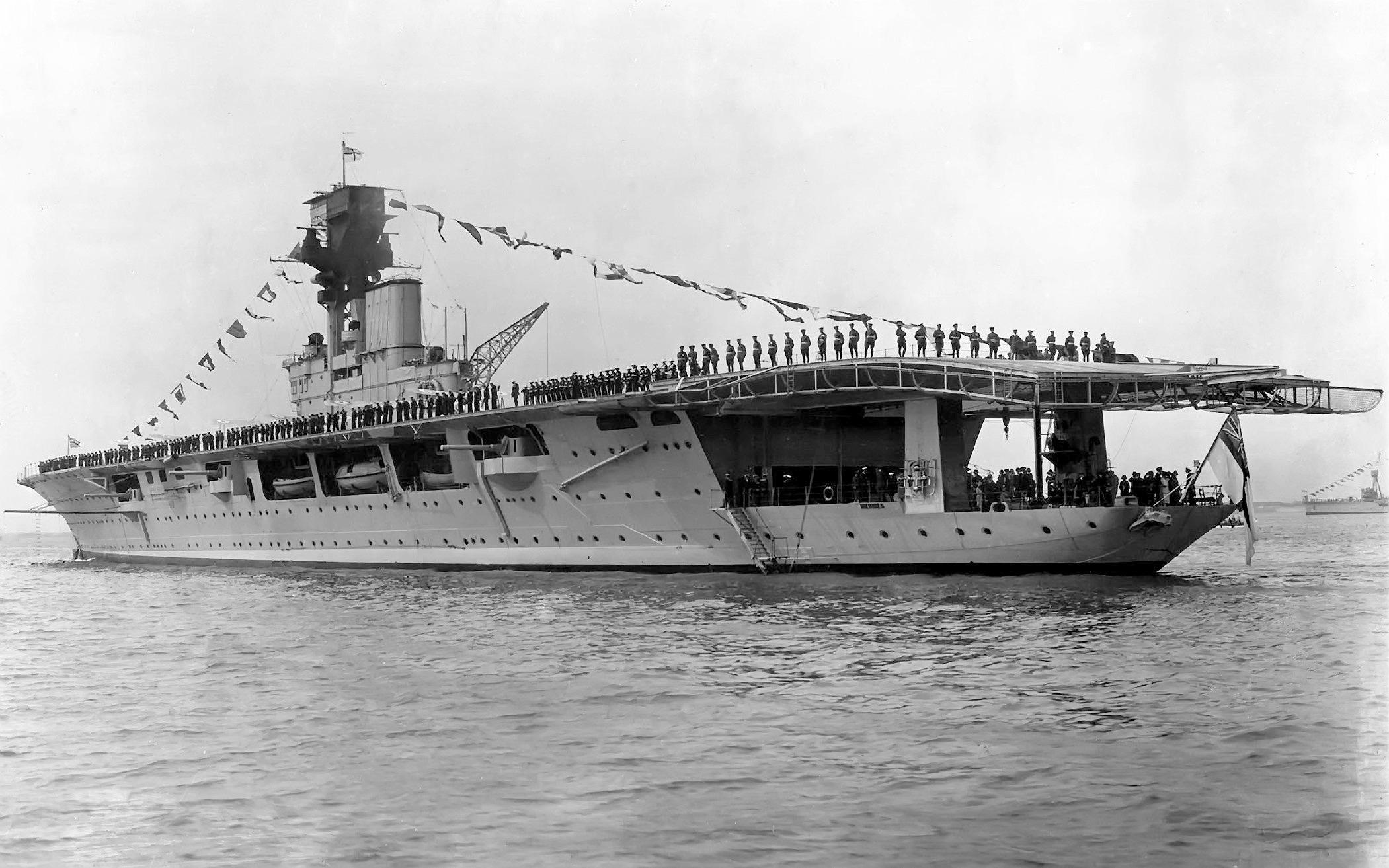 HMS Hermes 1937.jpg
