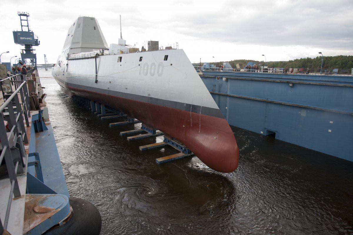 on-the-outside-the-uss-zumwalt-not-only-looks-cool-rule-1-but-its-a-full-100-feet-longer-than-existing-classes-of-destroyer.jpg