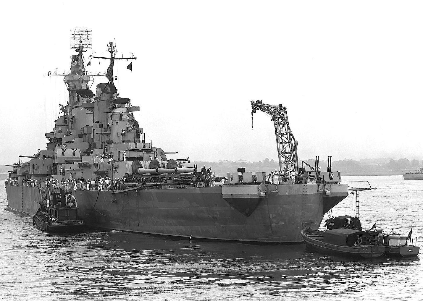 USS Iowa (BB-61) - off New York Naval Ship Yard, July 9th 1943.jpg