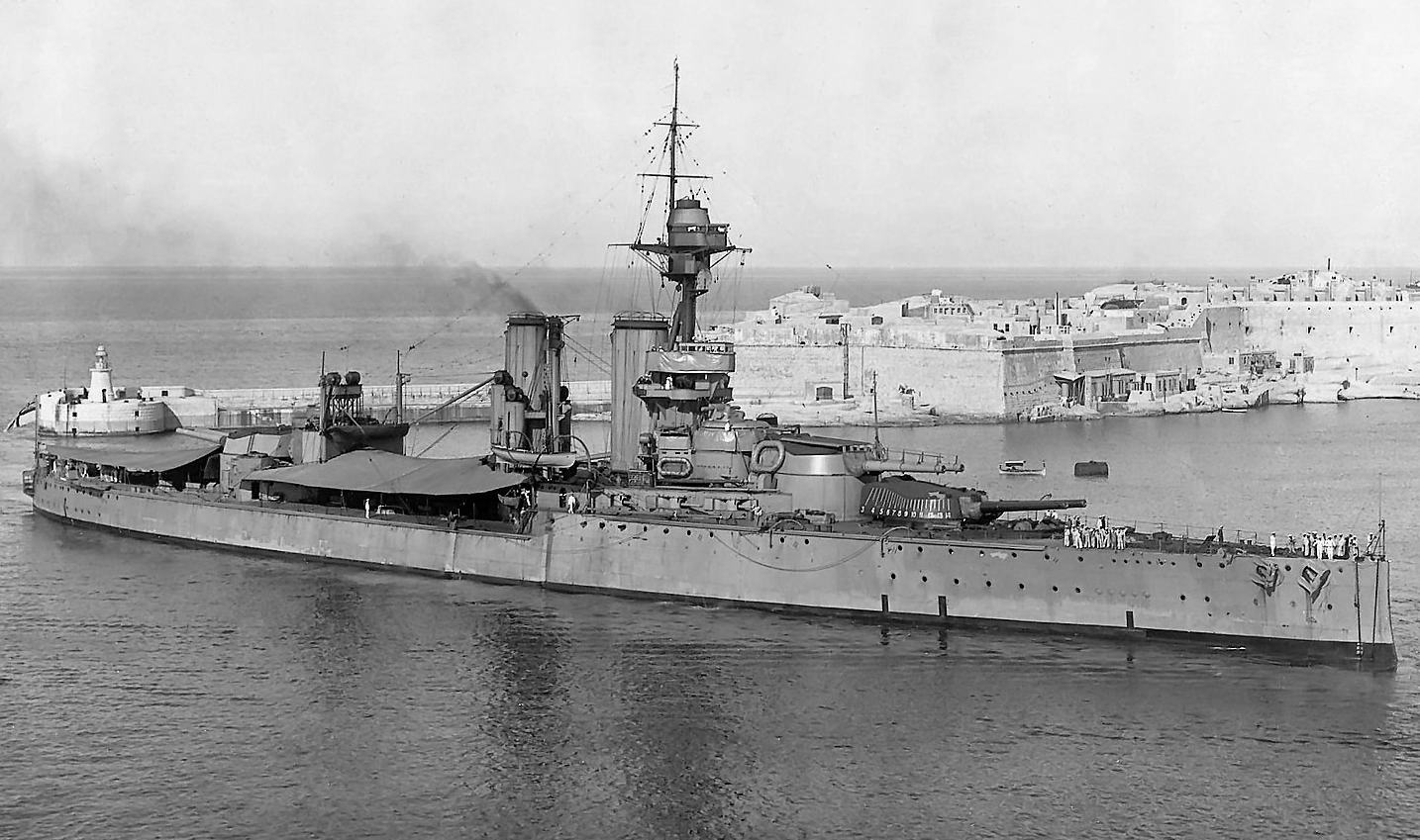 HMS Ajax - Grand Harbour, Valetta, Malta, 1921.jpg
