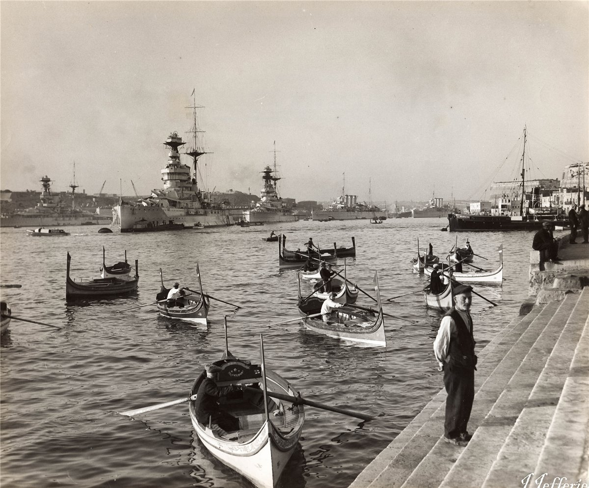 Royal Navy comes calling at the Grand Harbour, Valletta, Malta.jpg