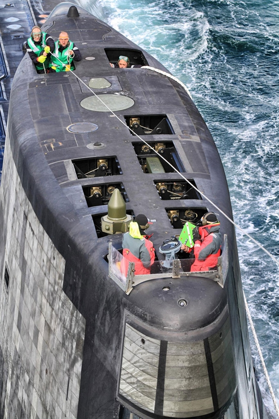 поиск подводной лодки вертолетами